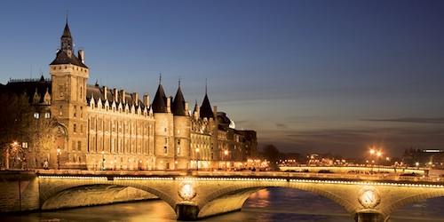 Champs Elysées Christmas Lights & Seine River Cruise