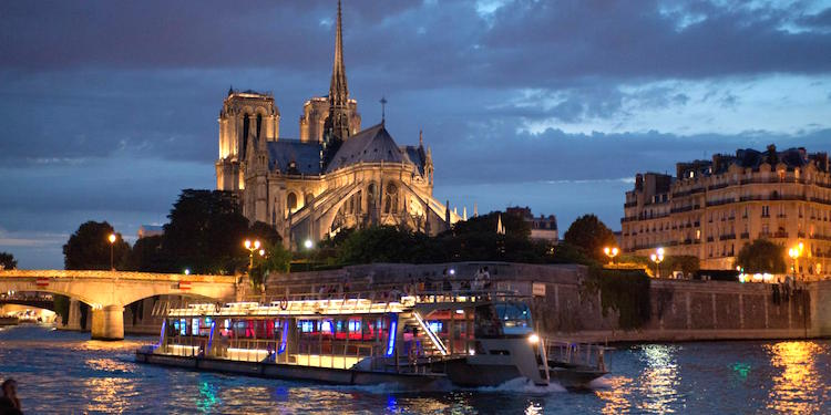 Dinner Cruise + Eiffel Tower Our + Mulin Rouge