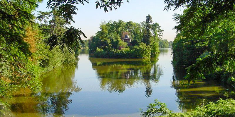 Bois de Boulogne lake