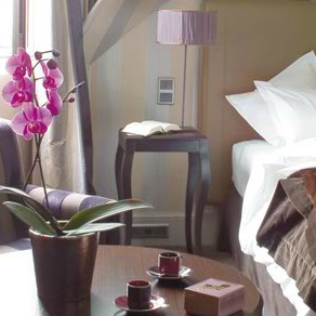 Champs Elysées Plaza Hotel