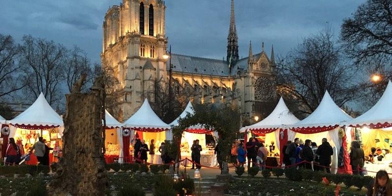 christmas market notre dame - Paris Christmas Markets