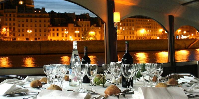 Romantic Dinner Cruise on the Seine