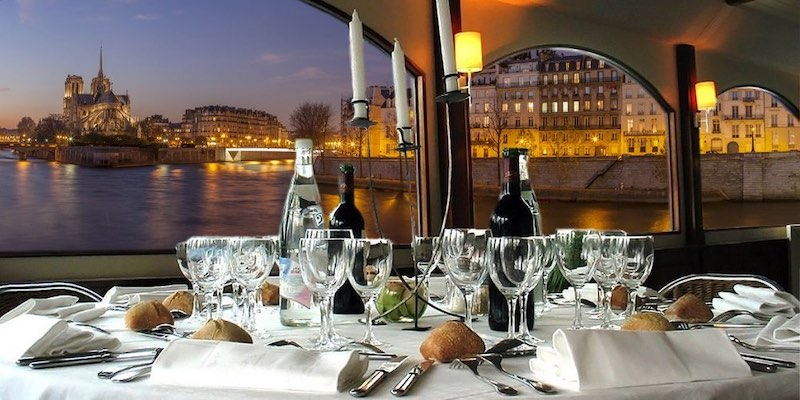 Christmas Dinner Cruise on the Seine