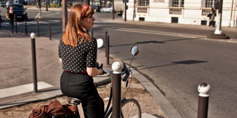 Parisienne on bicycle
