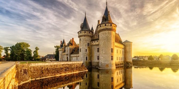 Loire Valley Chateaux + Loire Valley Wines