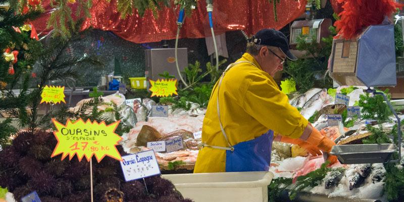 Market on Rue Poncelet