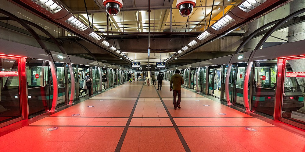 New Metro station on Line 14, Pont Cardinet