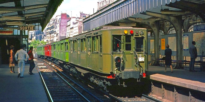 Green and red Sprague-Thomson cars on Line 2, 1966