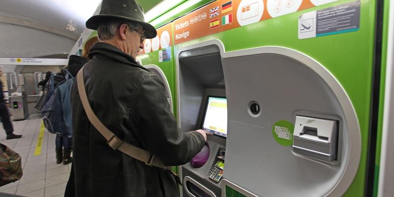 How to Buy Paris Metro Tickets
