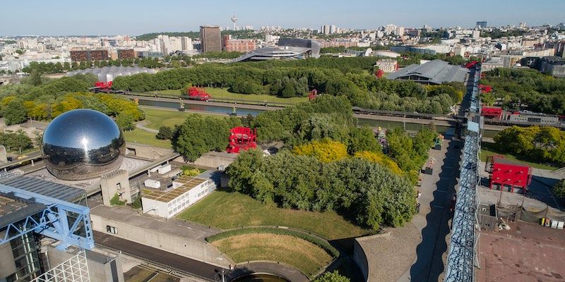 Overview of Parc de la Villette, photo by Pixlr