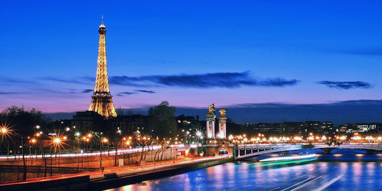 Sunset River Cruise + Champagne + Eiffel Tower Tour