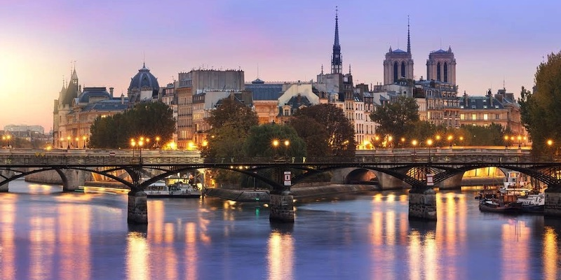 6 Pedestrian Bridges of Paris