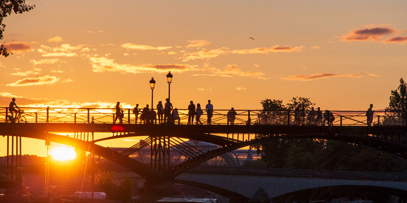 Our Guide To The Bridges Of Paris