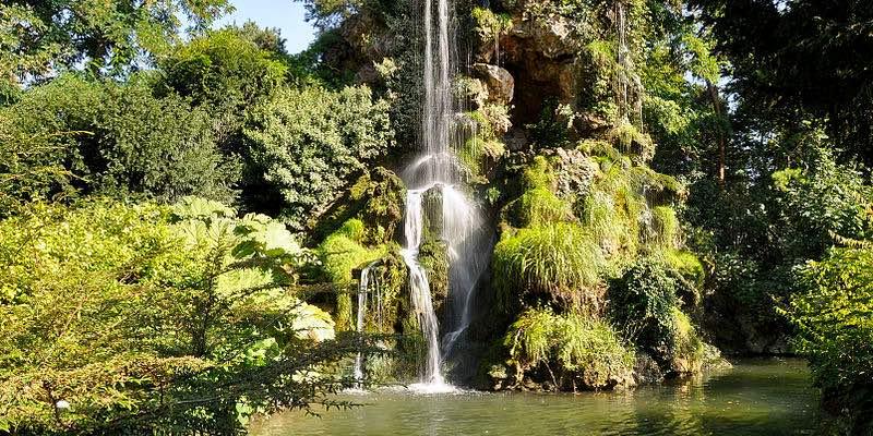 Waterfall of Parc de Bagatelle