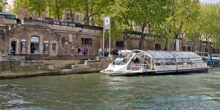 Travel Around Paris by Boat