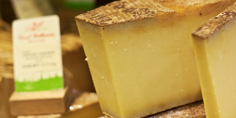 10 Top Cheeses Of France