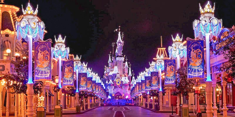 Package deals to disneyland paris