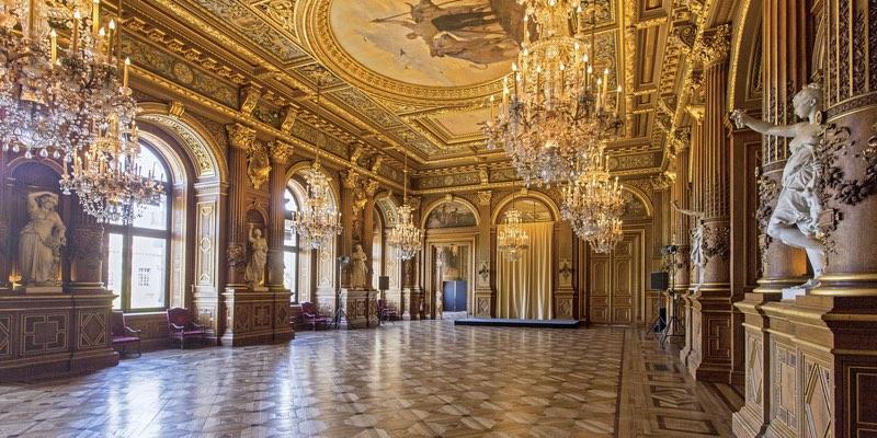 Hotel de Ville interior