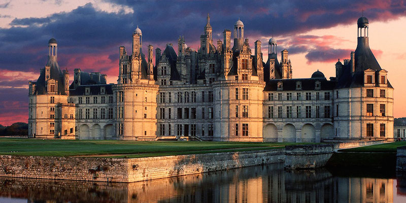 Loire Valley Chateaux & Wine-Tasting Day Trip