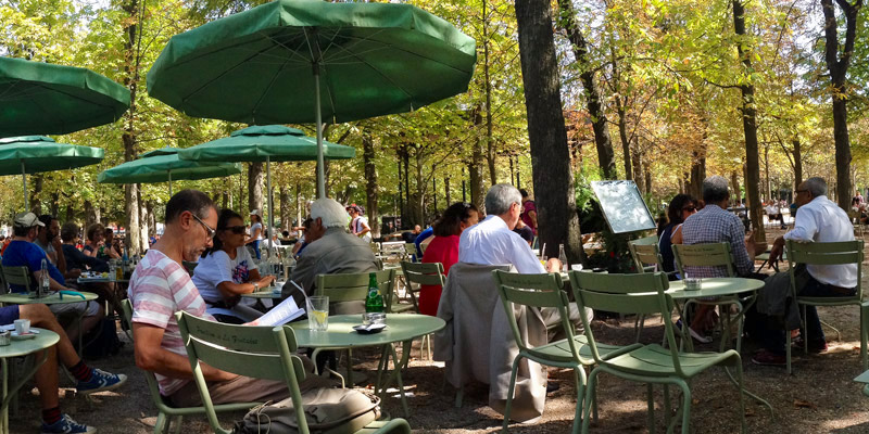 Jardin du Luxembourg, outdoor cafe, photo by Mark Craft