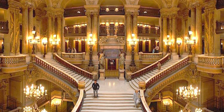 Holiday Season Performances at Palais Garnier