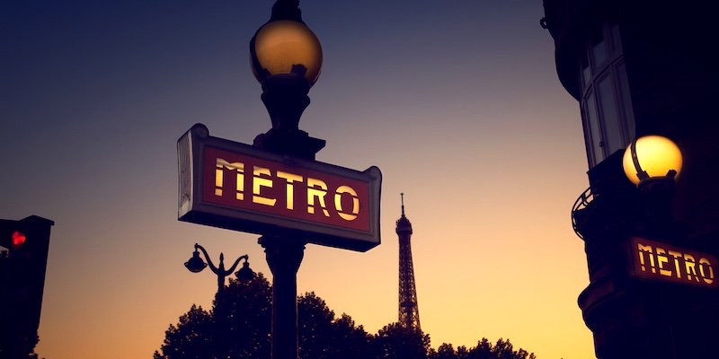 Metro & the Eiffel Tower