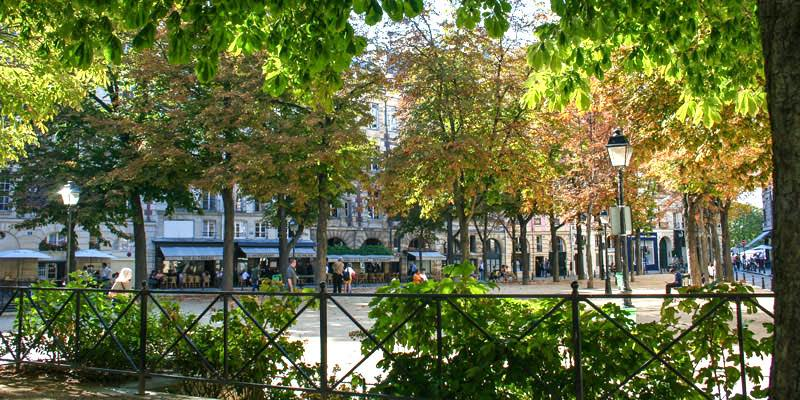Place Dauphine, photo by Mark Craft