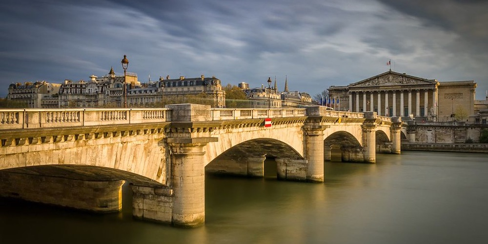 8 Superlative Bridges Of Paris