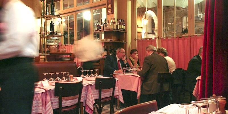 10 Old-Fashioned Paris Restaurants
