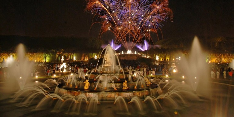 Versailles Fountains Night Show